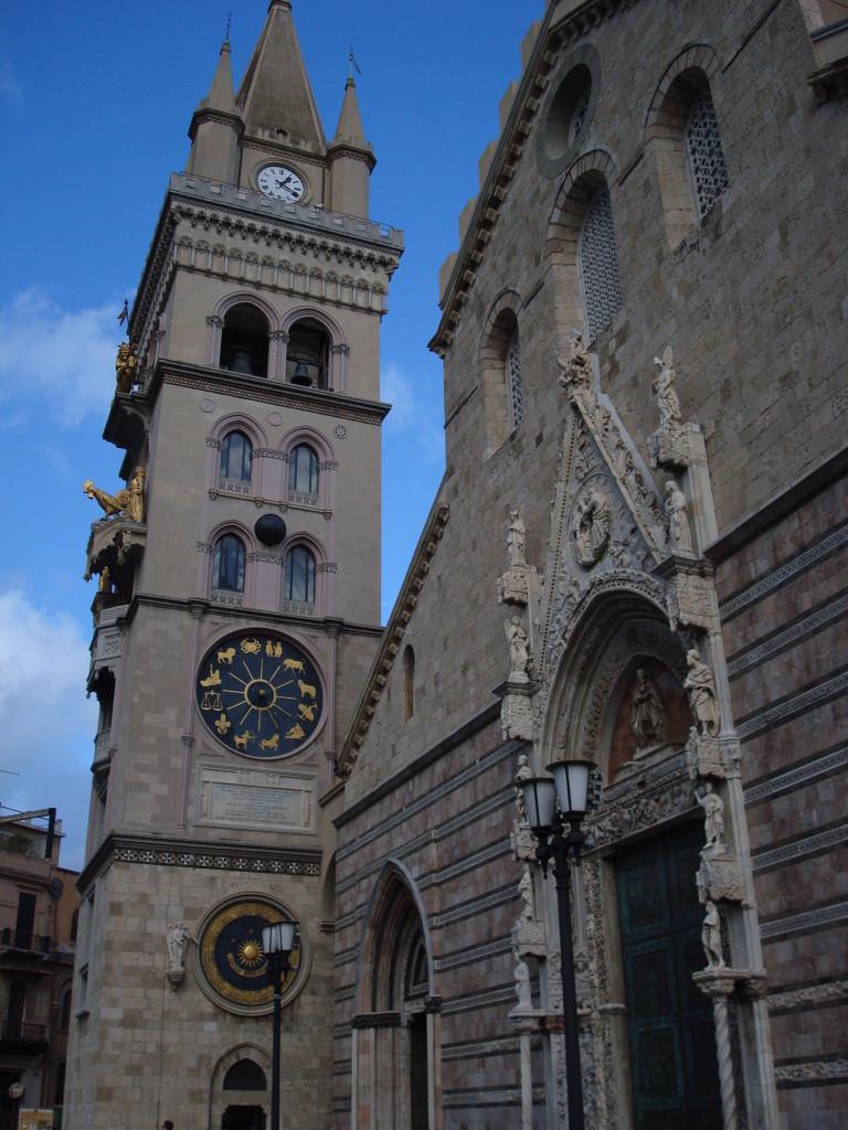Der Dom von Messina mit Goldenen Figuren