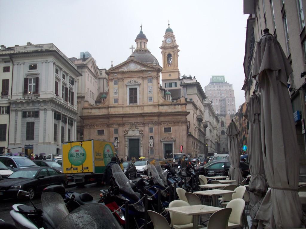 Blick auf eine Straße in Genua