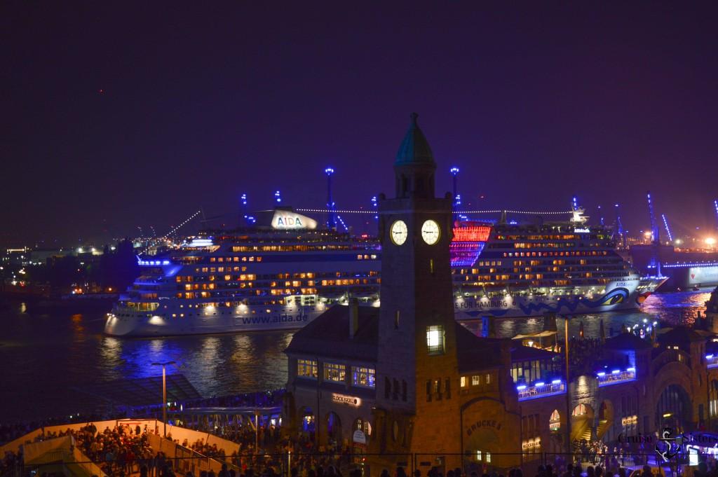 Hamburger Hafen Adia Kreauzfahrtschiff