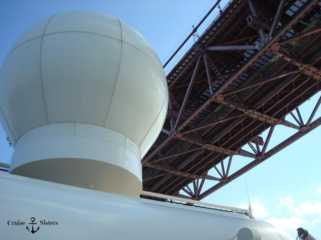 Radar Eclipse unter ponte 25. Abril