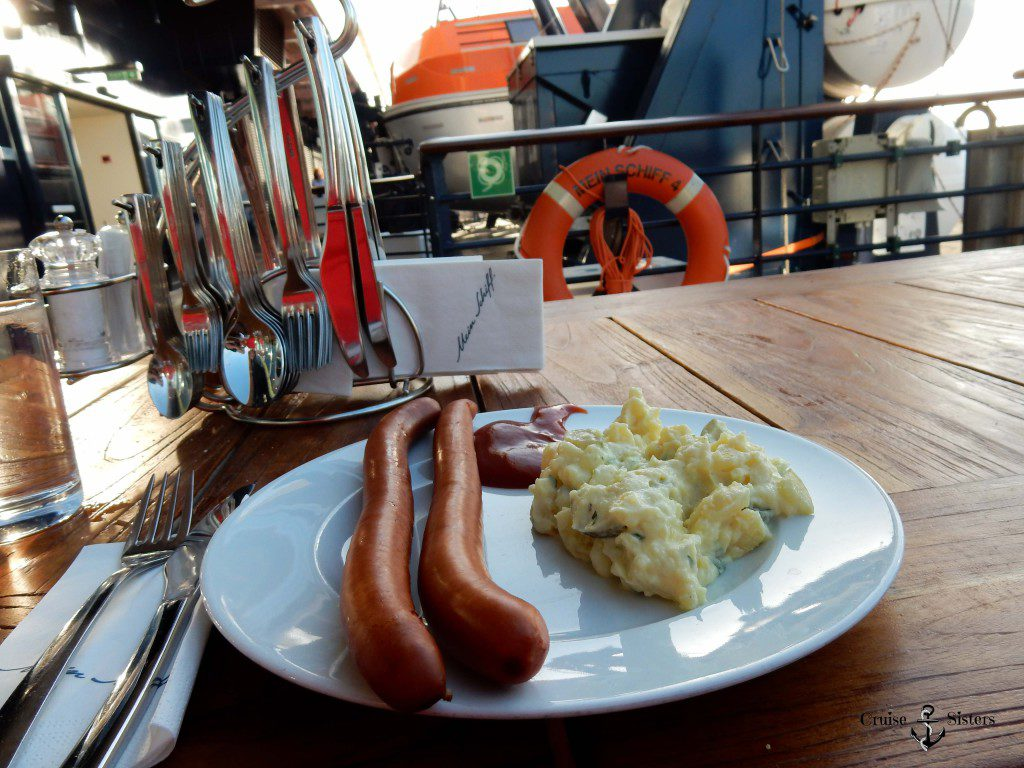 Kartoffelsalat und Würstchen Mein Schiff 4