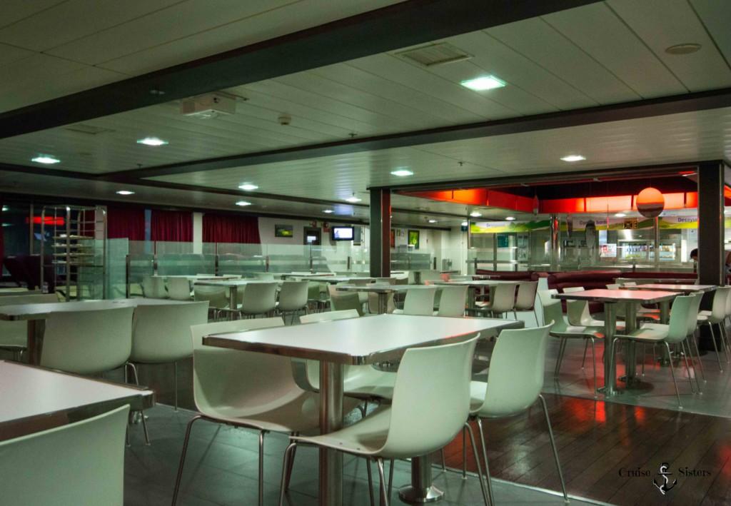 Restaurant auf der Fähre Martin i Soler