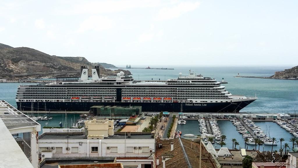Eurodam im Hafen von Cartagena