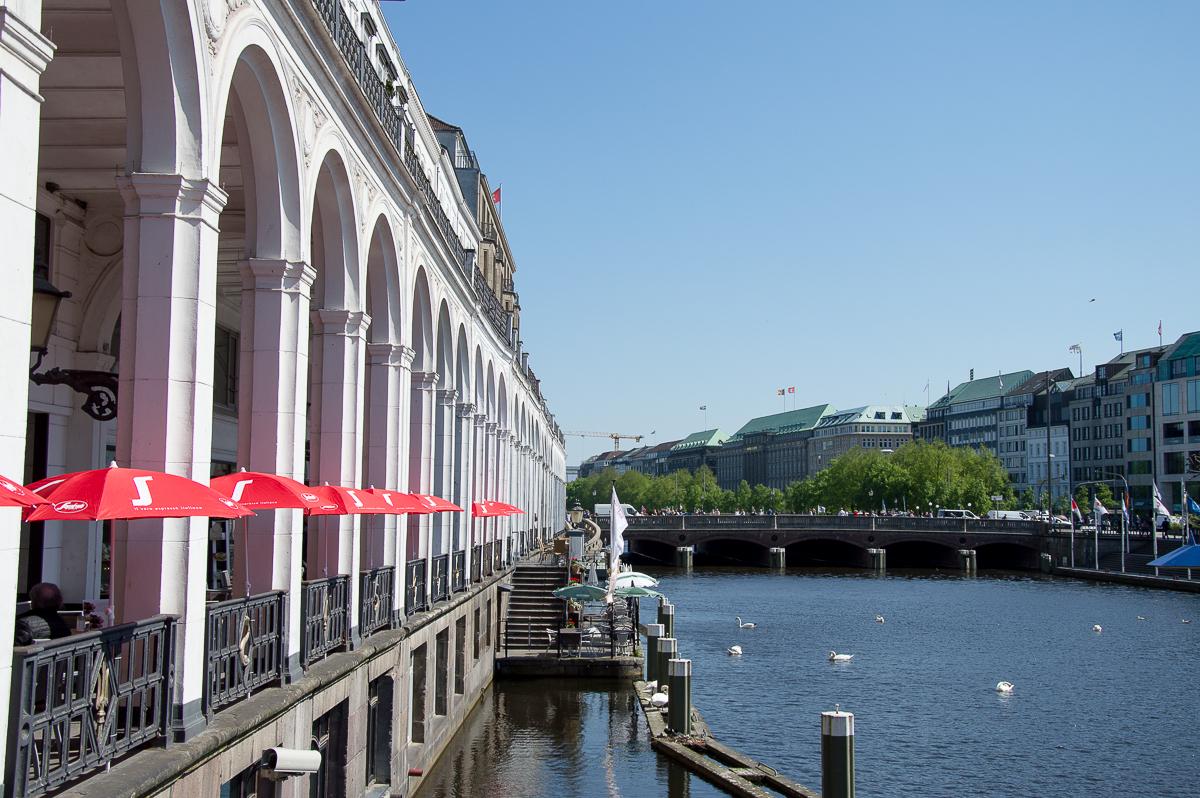 Die Alsterarkaden in Hamburg