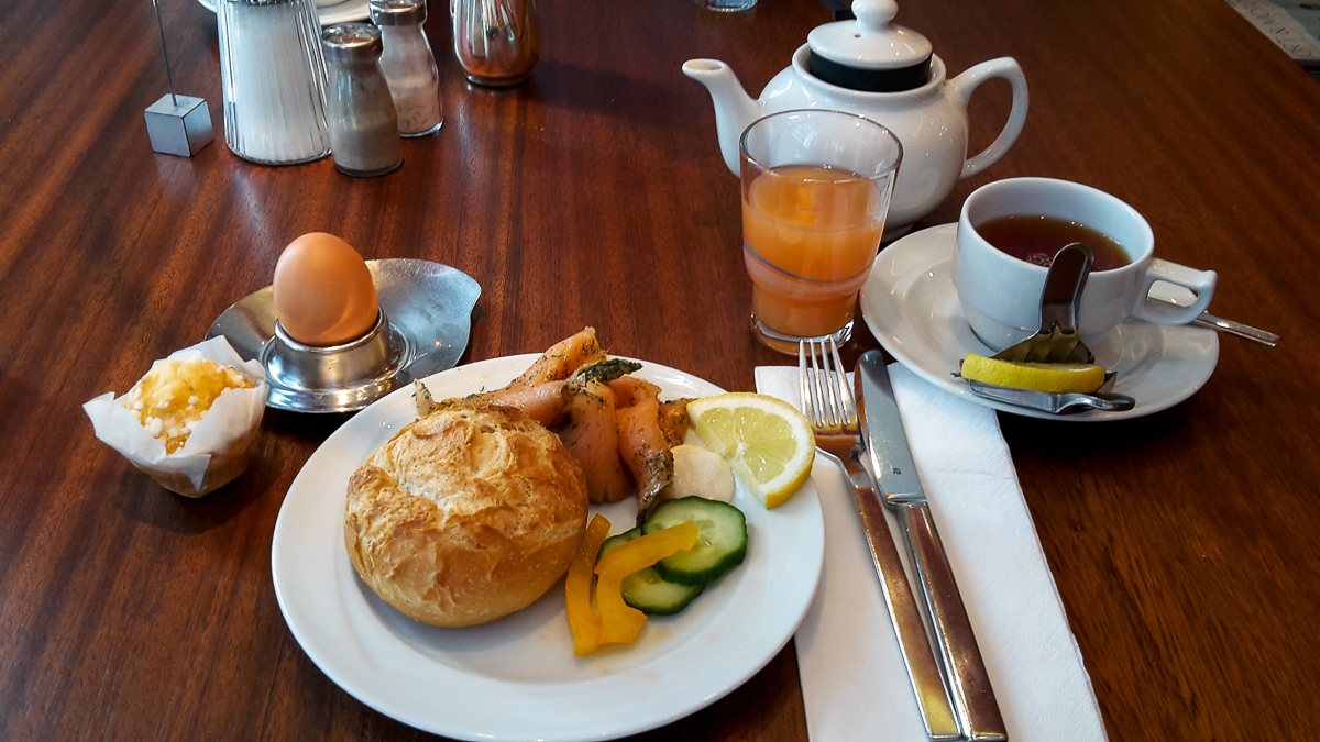 Frühstück im Hotel Baseler Hof