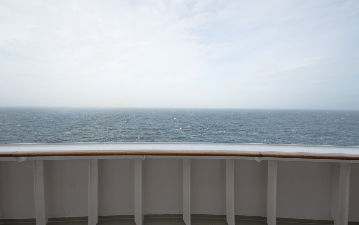 observation-deck-queen-mary-2