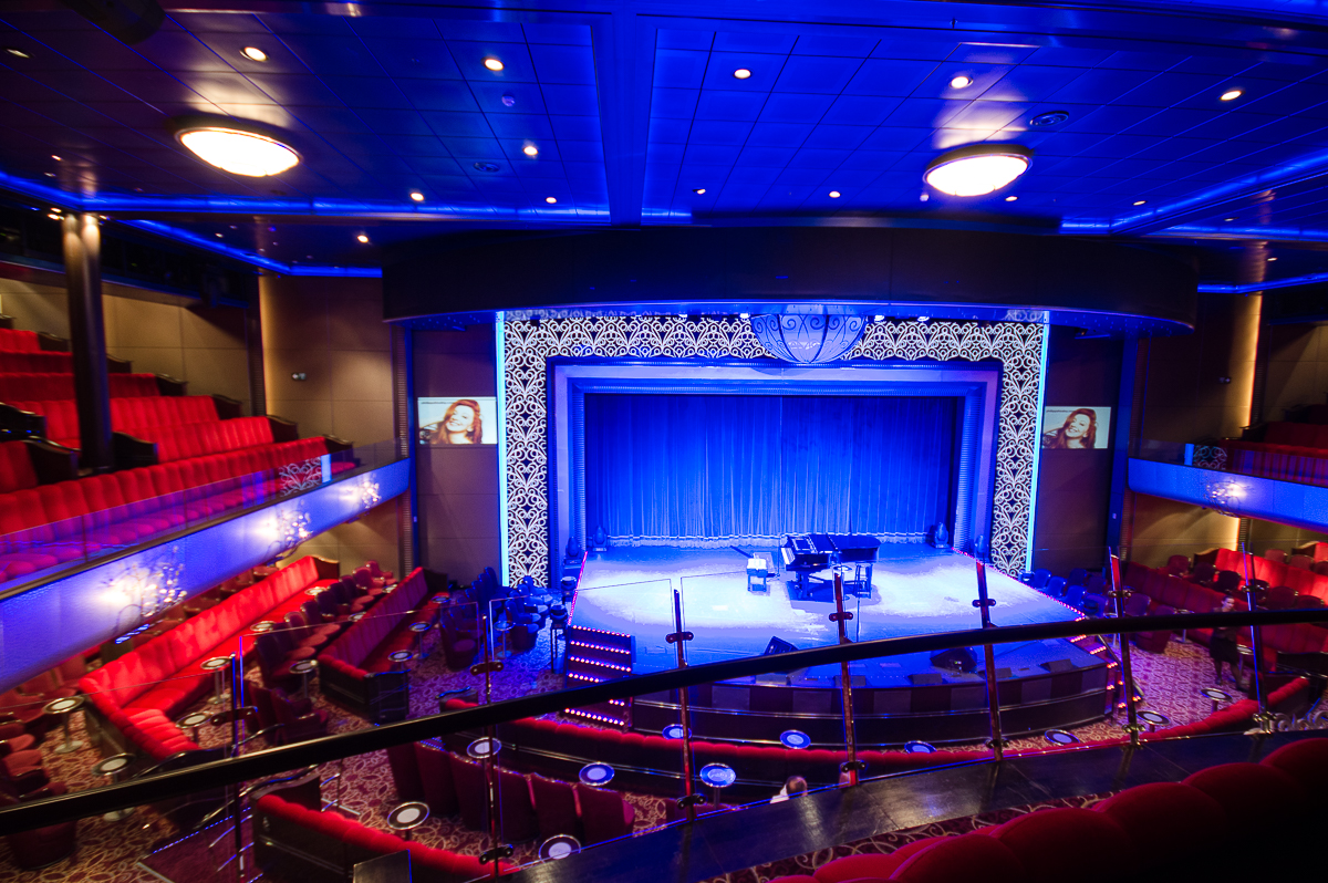 royal-court-theatre-queen-mary-2