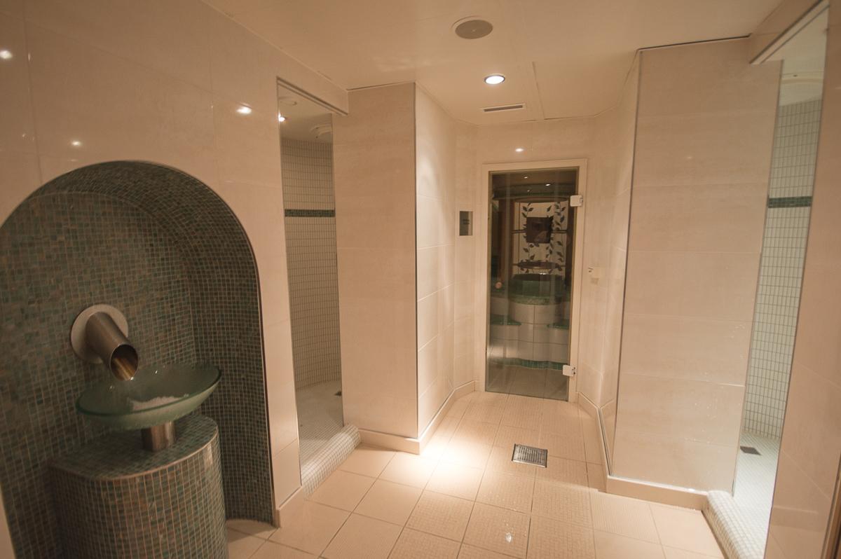 spa-sauna-und-duschen-queen-mary-2