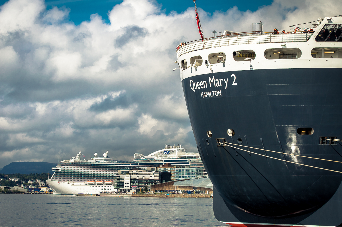queen-mary-2-und-regal-princess-in-oslo