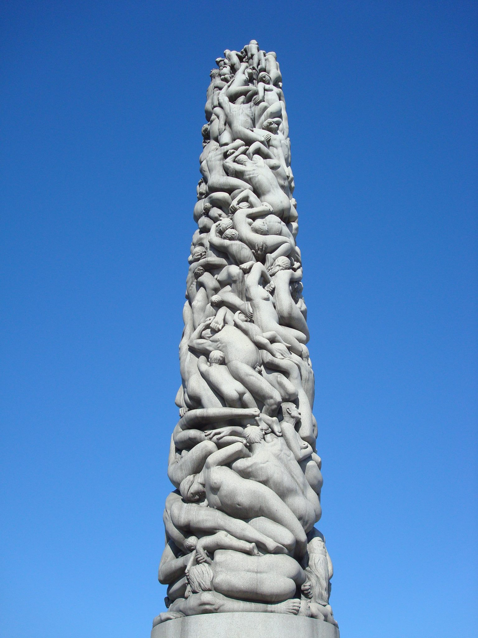sculpture-tower-vigeland-park-oslo