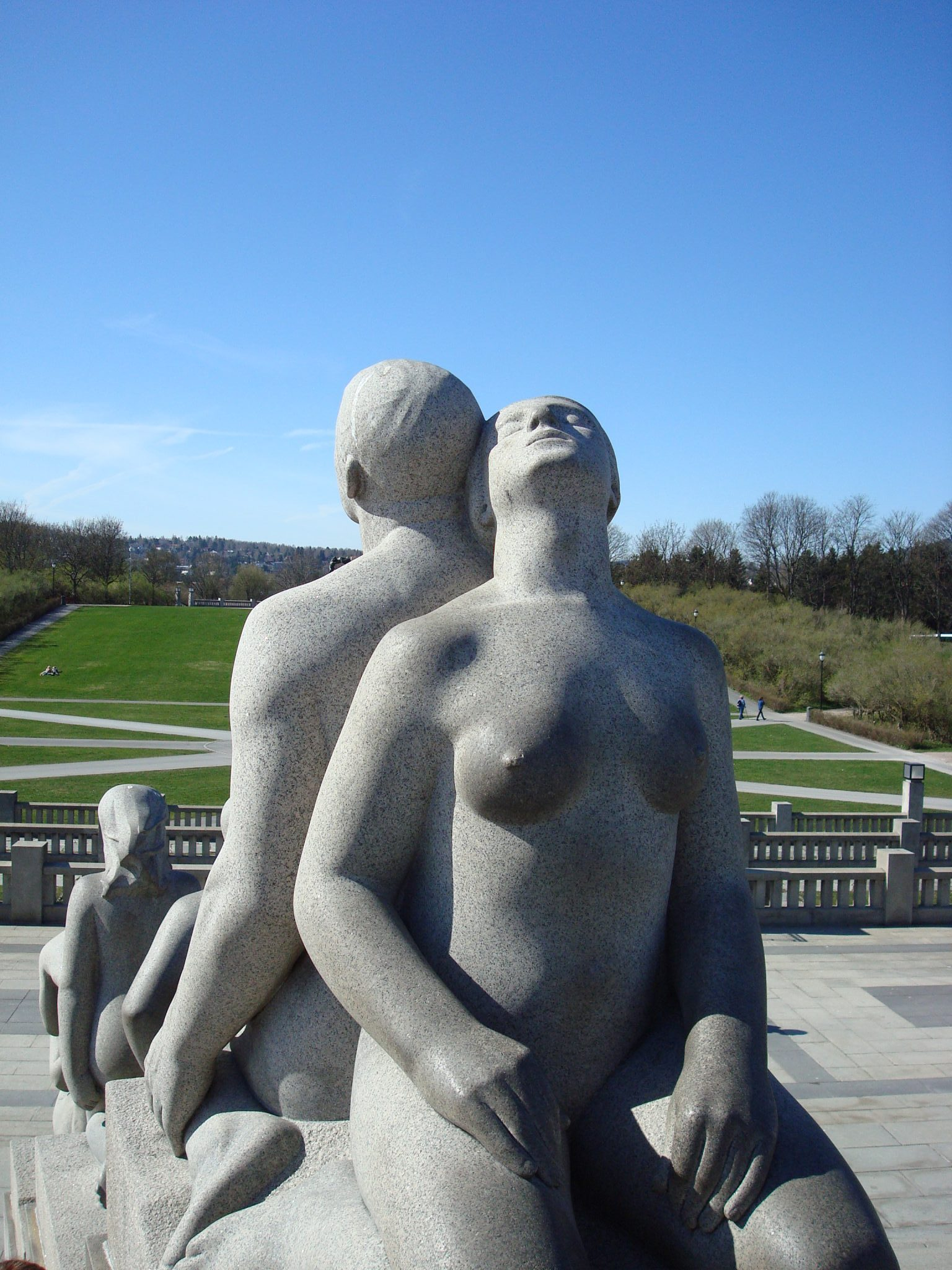 sculptures-in-vigeland-park-oslo