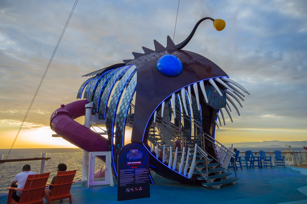 Ultimate Abyss at sunset aboard the Harmony of the Seas
